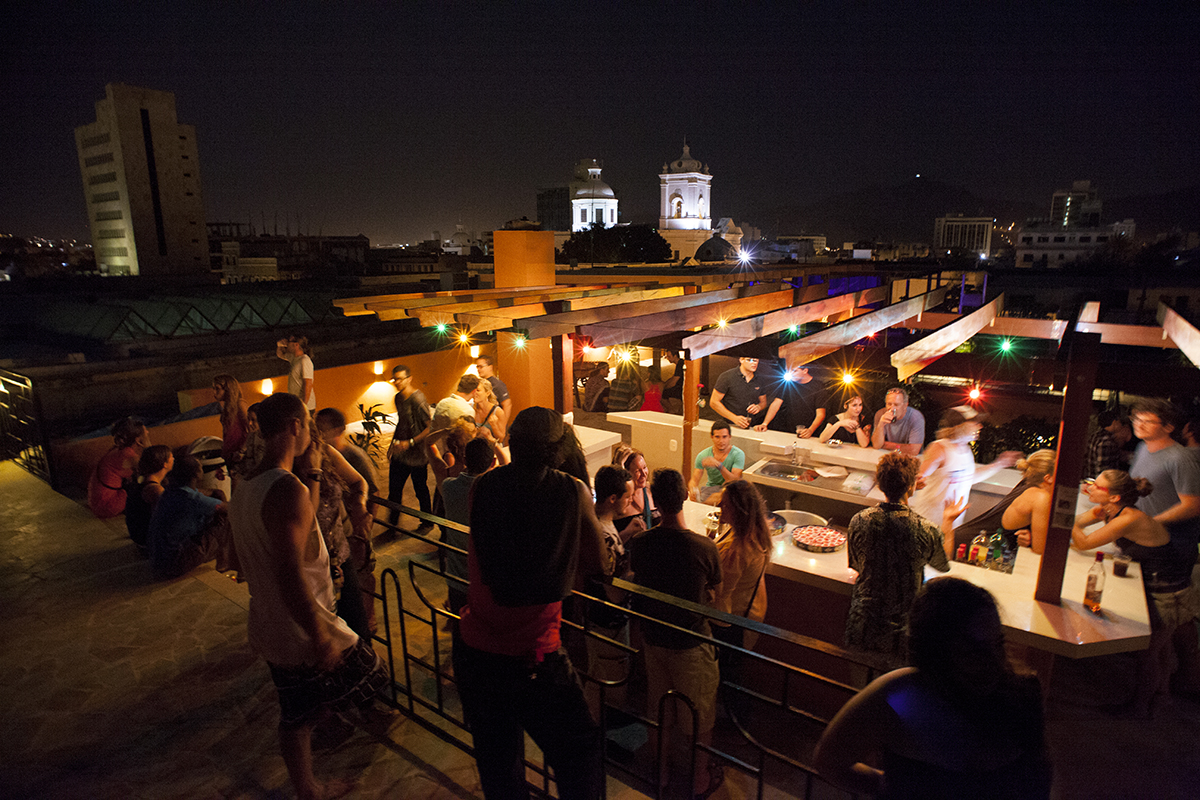 hostel-roof-party-community