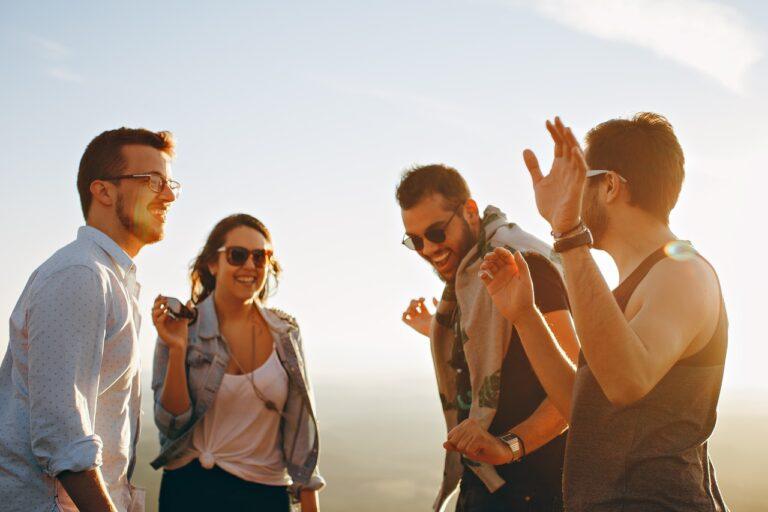 apps-socialize-expats