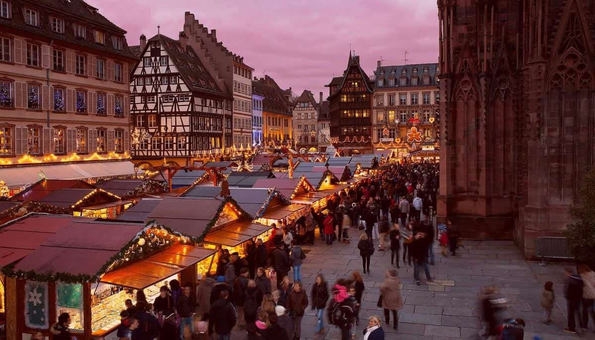 Christkindesmäkir-in-Strasbourg,-France