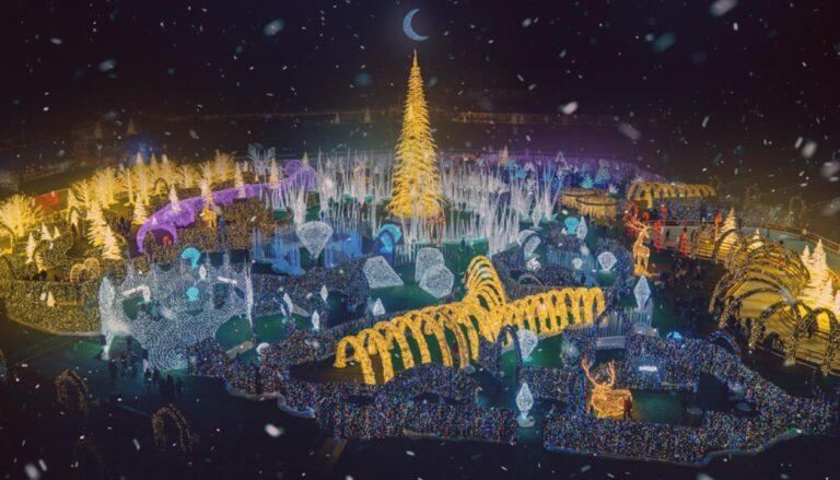 Enchant-Christmas-in-St.-Petersburg,-USA