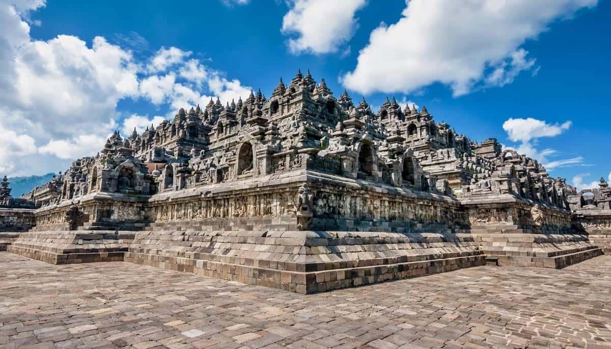 borobudur-indonesia-world-heritage-lovers