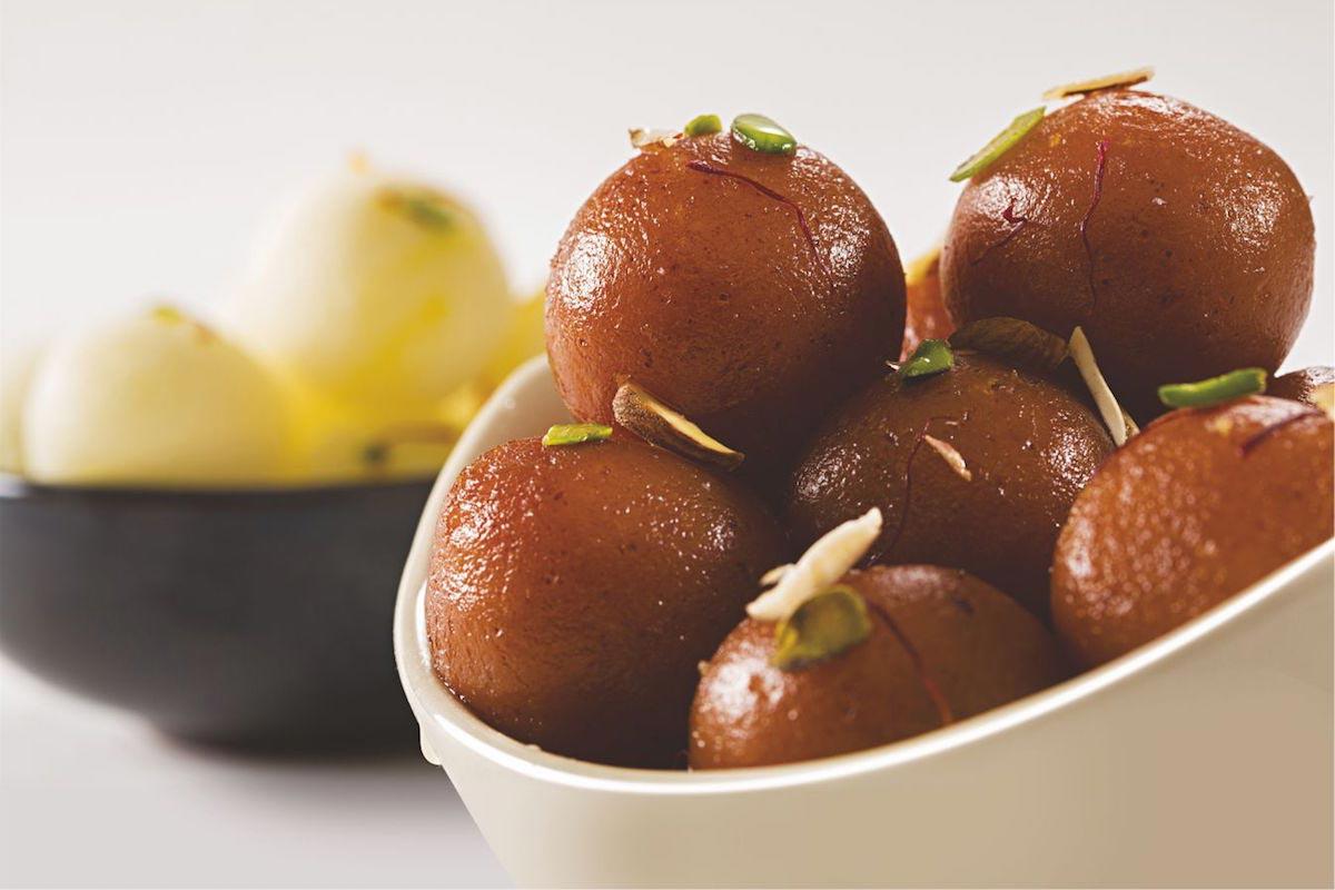 Gulab-Jamun-what-to-eat-in-india