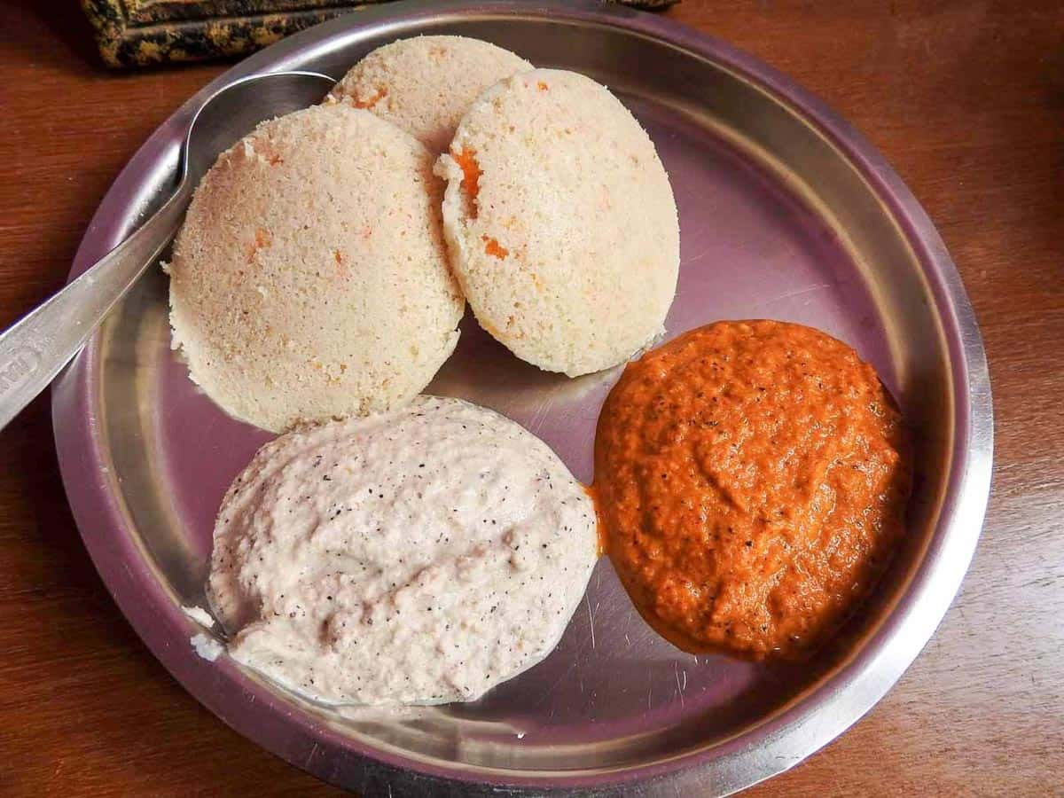 idli-what-to-eat-in-india
